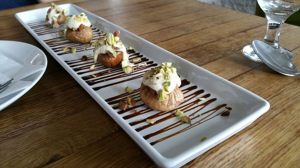"""Photo of Incruenti  by <a href=""""/members/profile/VeggieTurttle"""">VeggieTurttle</a> <br/>baked figs with balsamic as a great dessert ? <br/> May 27, 2017  - <a href='/contact/abuse/image/78551/262987'>Report</a>"""