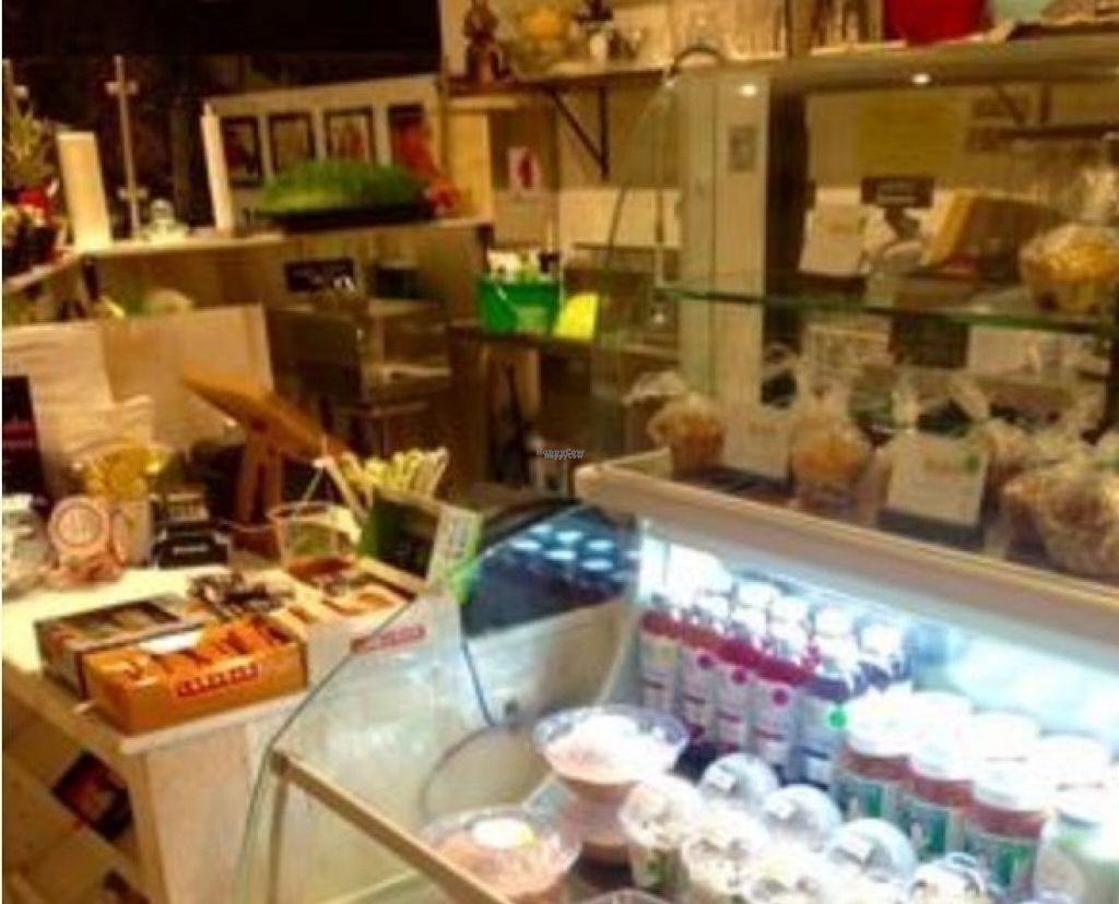 """Photo of CLOSED: Deliciously Dorie's Joyful Juice  by <a href=""""/members/profile/the.friendly.fig"""">the.friendly.fig</a> <br/>Juice bar   <br/> August 14, 2016  - <a href='/contact/abuse/image/78582/168522'>Report</a>"""