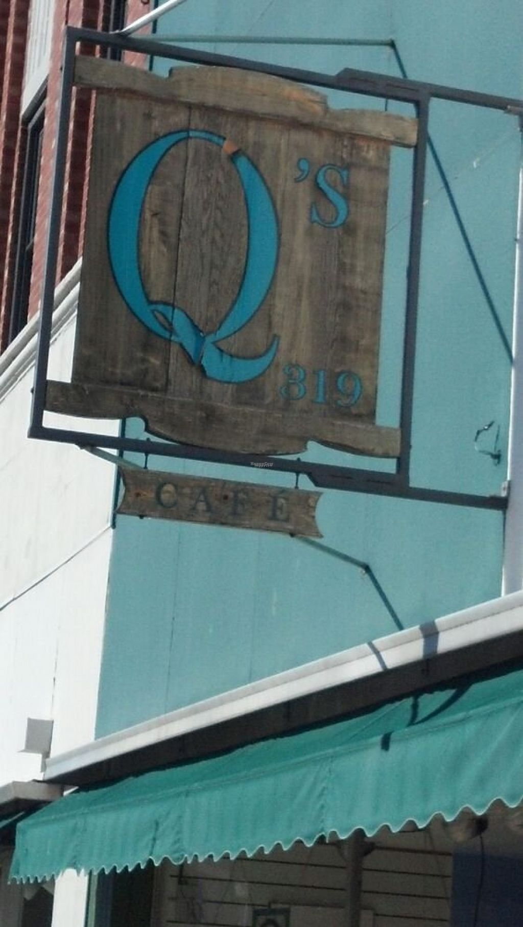 """Photo of CLOSED: Q's Cafe  by <a href=""""/members/profile/Chemd"""">Chemd</a> <br/>Front sign <br/> August 14, 2016  - <a href='/contact/abuse/image/78589/168673'>Report</a>"""
