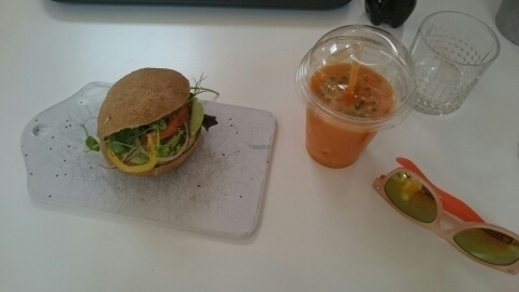 """Photo of Mommos Veranda  by <a href=""""/members/profile/Nenefrost"""">Nenefrost</a> <br/>Gluten-free sorghum bun with chia, avocado and veggies and a smoothie with carrots and passionfruit  <br/> August 18, 2016  - <a href='/contact/abuse/image/78644/169707'>Report</a>"""