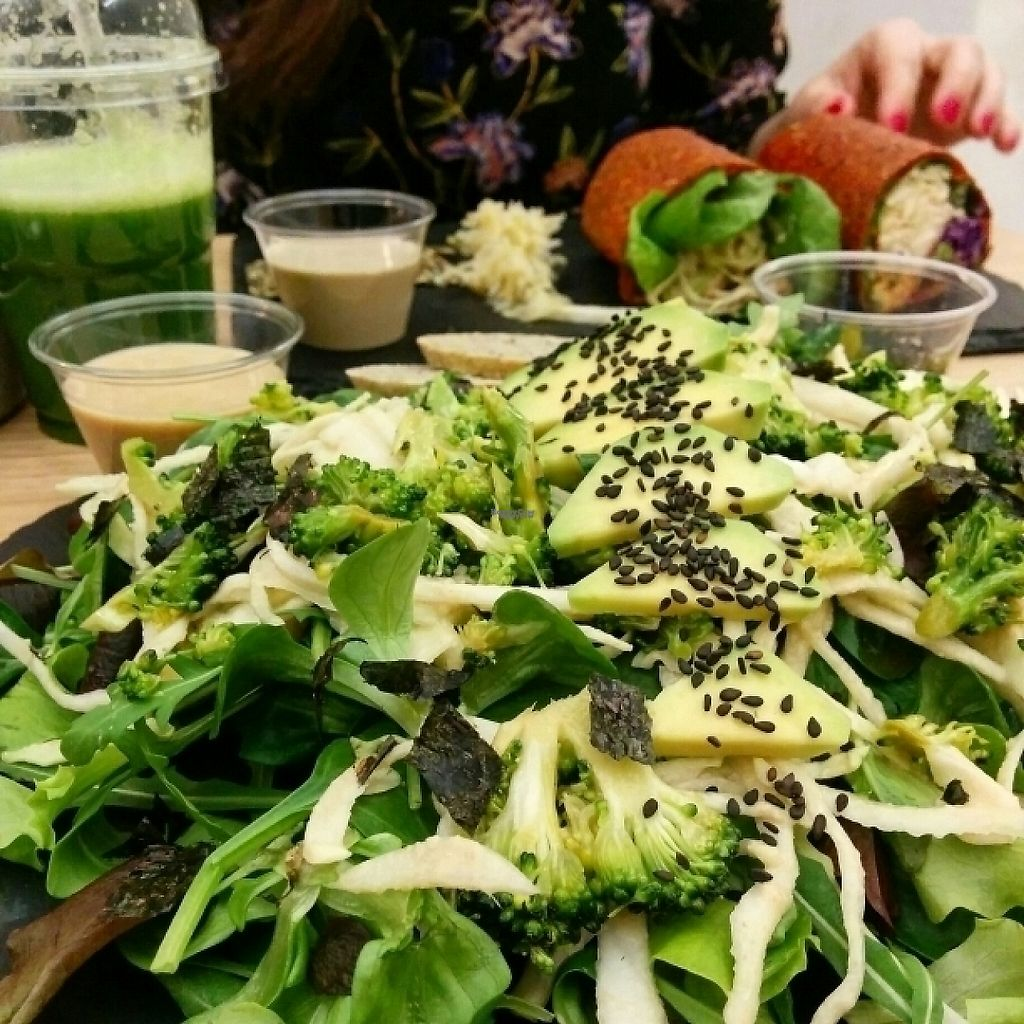 "Photo of #RAW  by <a href=""/members/profile/jord_aka"">jord_aka</a> <br/>Broccoli, Avocado and Nori salad <br/> February 25, 2017  - <a href='/contact/abuse/image/78656/230111'>Report</a>"