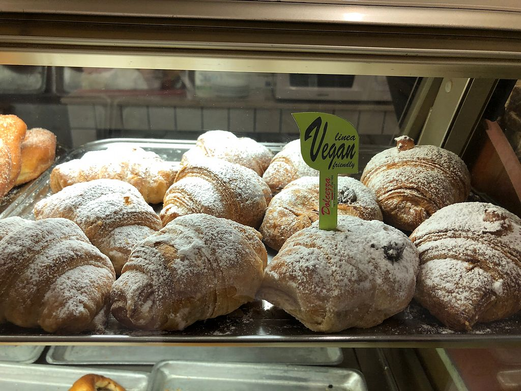 """Photo of Bar Dolcezza  by <a href=""""/members/profile/MonacoMel"""">MonacoMel</a> <br/>Vegan chocolate and vanilla creme filled crossiants <br/> April 20, 2018  - <a href='/contact/abuse/image/78661/388424'>Report</a>"""