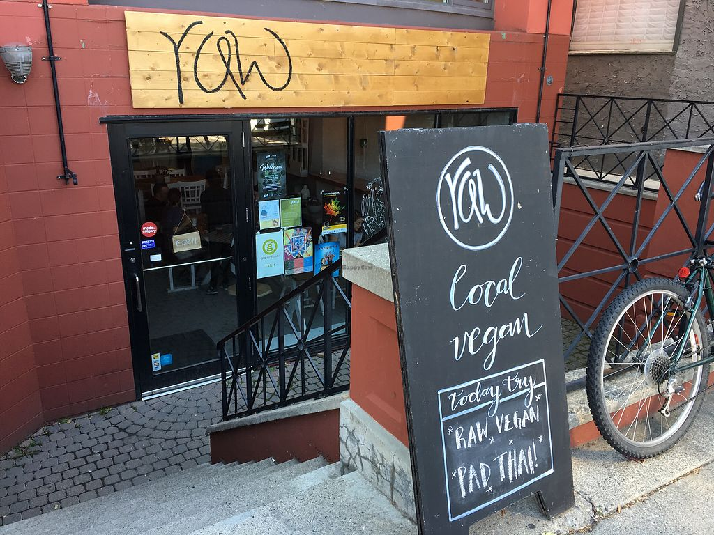 """Photo of Raw Eatery & Market  by <a href=""""/members/profile/dlachica"""">dlachica</a> <br/>store front  <br/> September 3, 2017  - <a href='/contact/abuse/image/78776/300543'>Report</a>"""