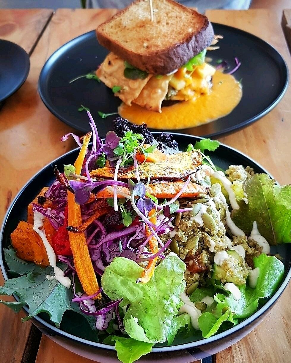 "Photo of Particle Cafe  by <a href=""/members/profile/amandadiana"">amandadiana</a> <br/>Salad + Jicken Sanga <br/> January 6, 2018  - <a href='/contact/abuse/image/78983/343494'>Report</a>"