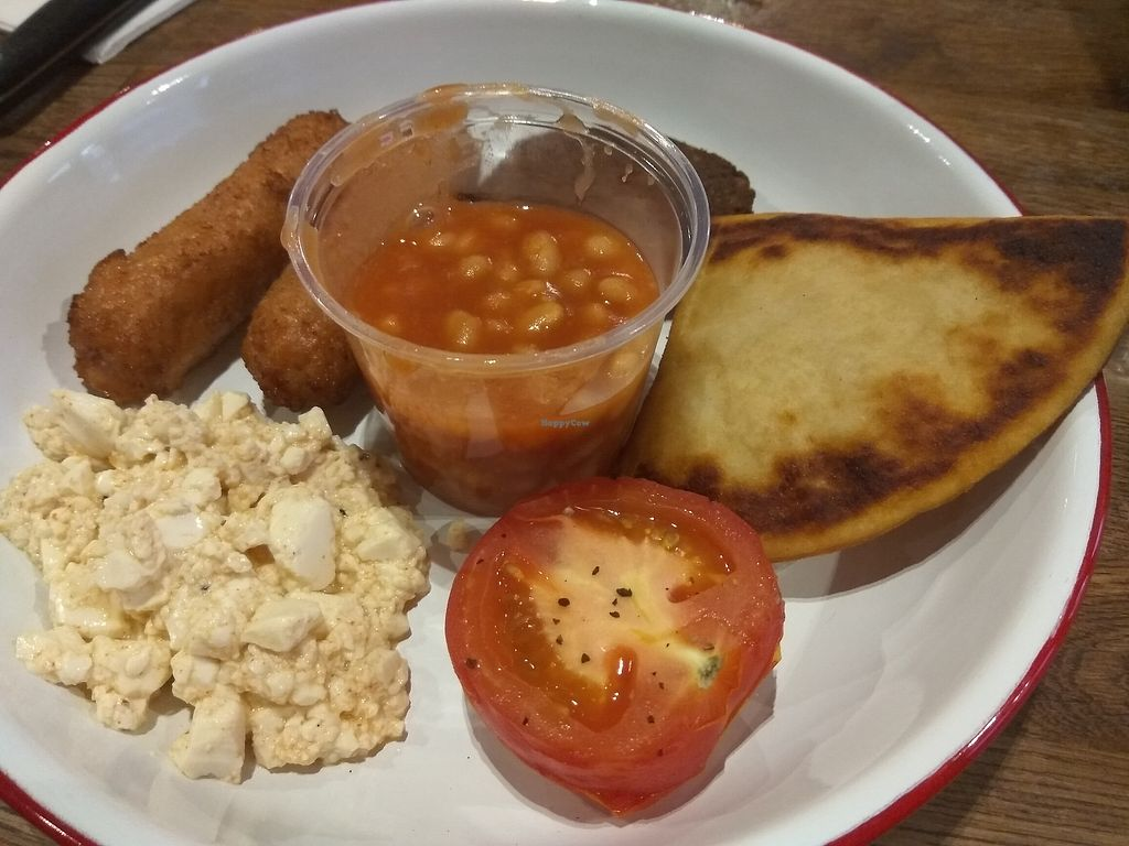 """Photo of Bloc Bar Glasgow  by <a href=""""/members/profile/TrixieFirecracker"""">TrixieFirecracker</a> <br/>Vegan breakfast (minus mushrooms) <br/> August 28, 2017  - <a href='/contact/abuse/image/78988/298169'>Report</a>"""