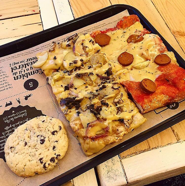 """Photo of Hank Vegan Pizza  by <a href=""""/members/profile/Doracz"""">Doracz</a> <br/>❣️ <br/> April 13, 2018  - <a href='/contact/abuse/image/79001/385363'>Report</a>"""