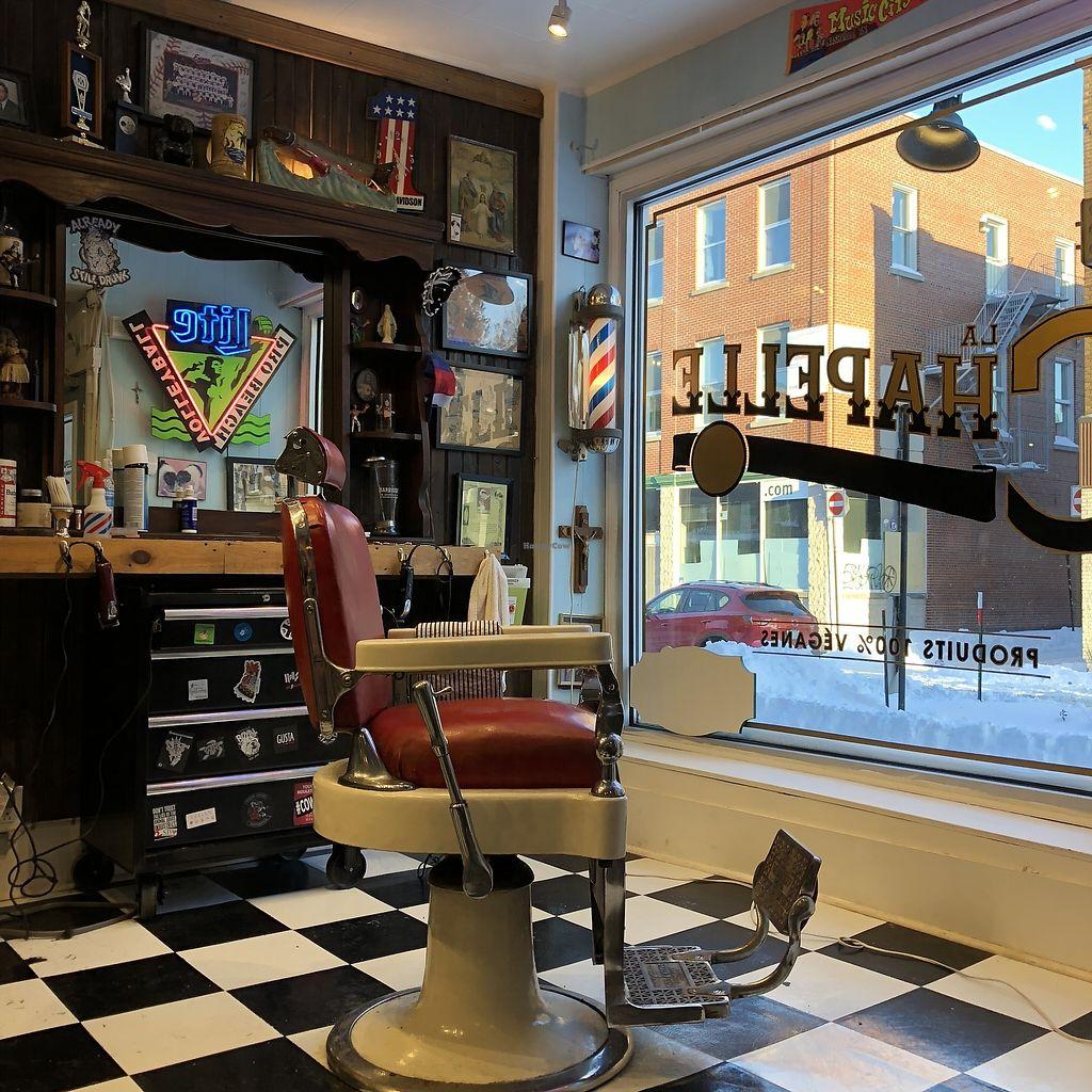 "Photo of La Chapelle Barbershop  by <a href=""/members/profile/mcsnv"">mcsnv</a> <br/>La Chapelle <br/> January 16, 2018  - <a href='/contact/abuse/image/79131/347108'>Report</a>"