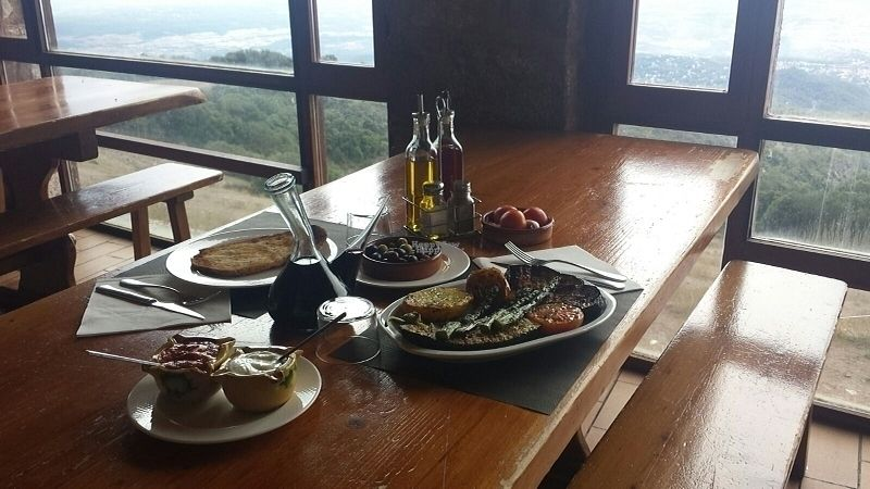 "Photo of La Mola  by <a href=""/members/profile/filipamarq"">filipamarq</a> <br/>having lunch at la mola with this view... oh so good <br/> September 20, 2016  - <a href='/contact/abuse/image/79137/176969'>Report</a>"