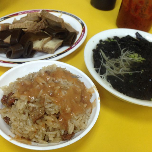"""Photo of CLOSED: Vegetarian House  by <a href=""""/members/profile/brevis13"""">brevis13</a> <br/>dishes <br/> September 14, 2016  - <a href='/contact/abuse/image/79151/175606'>Report</a>"""