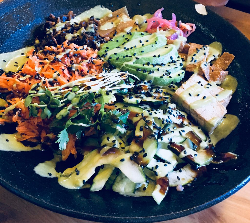 """Photo of It's Time Noodle House  by <a href=""""/members/profile/Clean%26Green"""">Clean&Green</a> <br/>Fresh Veggie Bowl <br/> April 18, 2018  - <a href='/contact/abuse/image/79153/387476'>Report</a>"""