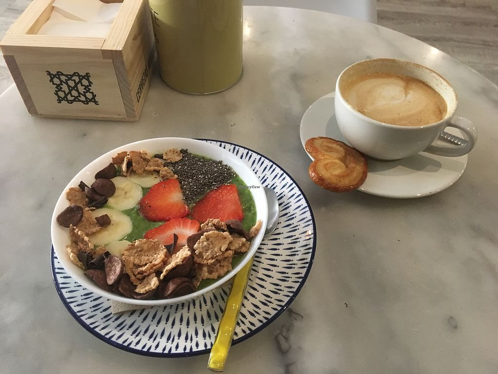 """Photo of CLOSED: Brotchen Cafe  by <a href=""""/members/profile/Vickoz"""">Vickoz</a> <br/>Popeye Smoothie Bowl and almond milk latte - vegan pastry - totally delicious  <br/> April 21, 2018  - <a href='/contact/abuse/image/79171/388900'>Report</a>"""