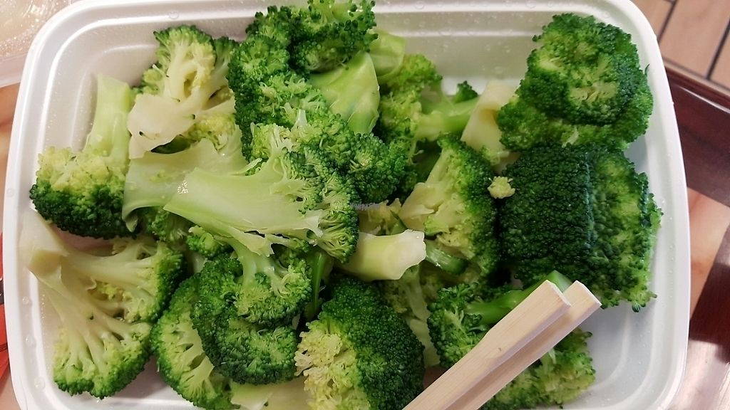 "Photo of China Xpress  by <a href=""/members/profile/debbiesmall"">debbiesmall</a> <br/>steamed broccoli  <br/> October 4, 2016  - <a href='/contact/abuse/image/79219/197002'>Report</a>"