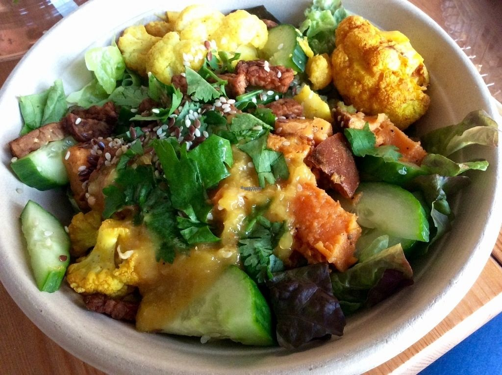 """Photo of SLA - Utrechtsestraat  by <a href=""""/members/profile/happyowl"""">happyowl</a> <br/>Indian tempeh bowl <br/> October 3, 2016  - <a href='/contact/abuse/image/79233/179494'>Report</a>"""