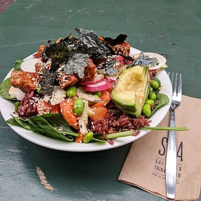 """Photo of SLA - Utrechtsestraat  by <a href=""""/members/profile/AntoineJean"""">AntoineJean</a> <br/>The vegan sushi bowl <br/> June 12, 2017  - <a href='/contact/abuse/image/79233/268513'>Report</a>"""
