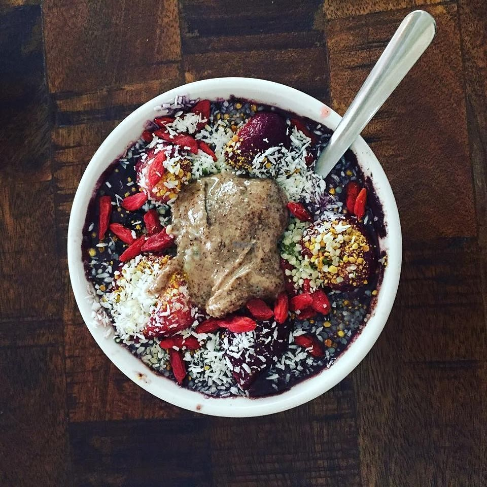 """Photo of Island Bee  by <a href=""""/members/profile/Margotreet"""">Margotreet</a> <br/>The Island Bowl, all organic and made with unsweetened acai, banana, coconut, bee pollen, goji berries, hemp seeds, and almond butter,  <br/> August 28, 2016  - <a href='/contact/abuse/image/79250/171940'>Report</a>"""