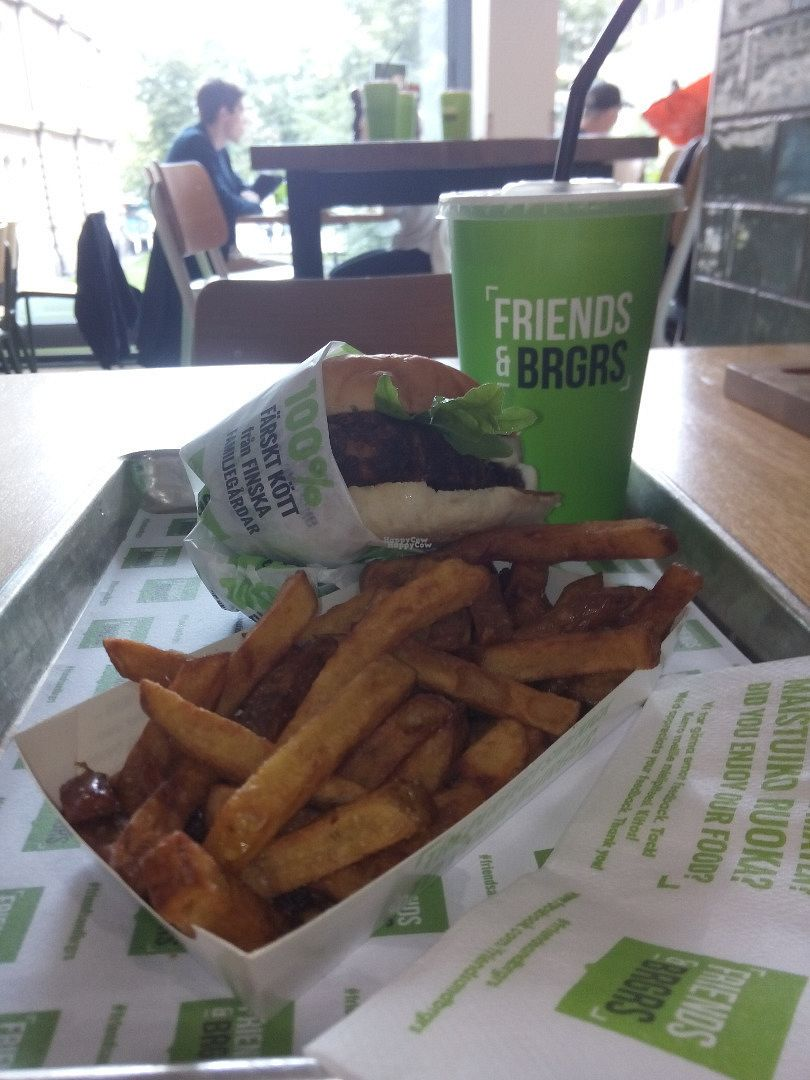 "Photo of Friends & Brgrs  by <a href=""/members/profile/Lapa"">Lapa</a> <br/>The vegan burgermeal <br/> August 28, 2016  - <a href='/contact/abuse/image/79256/171918'>Report</a>"