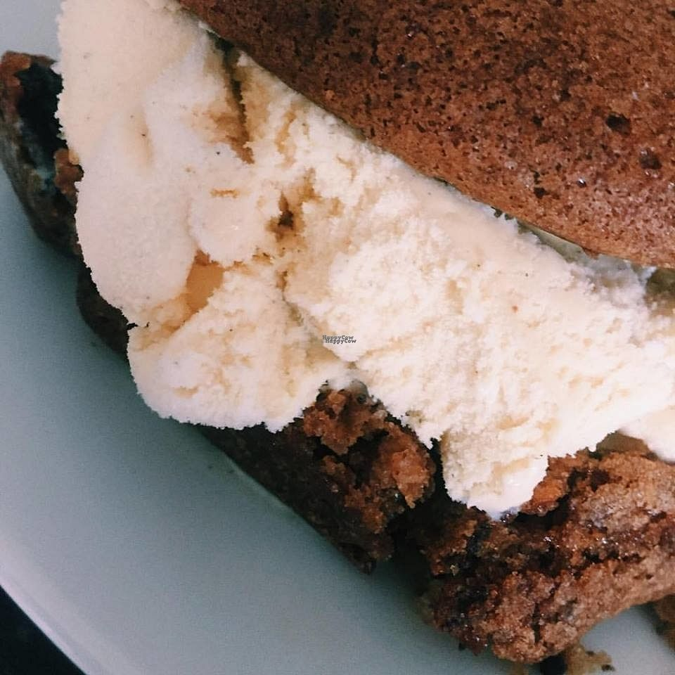 """Photo of CLOSED: Cheese & Chocolate  by <a href=""""/members/profile/charclothier"""">charclothier</a> <br/>Vegan Ice-cream  <br/> September 8, 2016  - <a href='/contact/abuse/image/79283/174444'>Report</a>"""