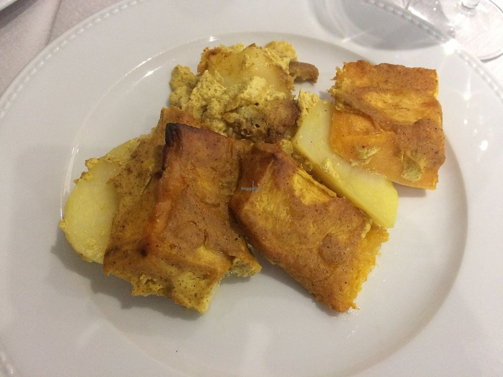 """Photo of La Parada de San Martin  by <a href=""""/members/profile/mariaig"""">mariaig</a> <br/>Boiled potatoes with tofu, the rest I am not sure what it is. Apparently and hopefully vegan.  <br/> July 21, 2017  - <a href='/contact/abuse/image/79329/317043'>Report</a>"""