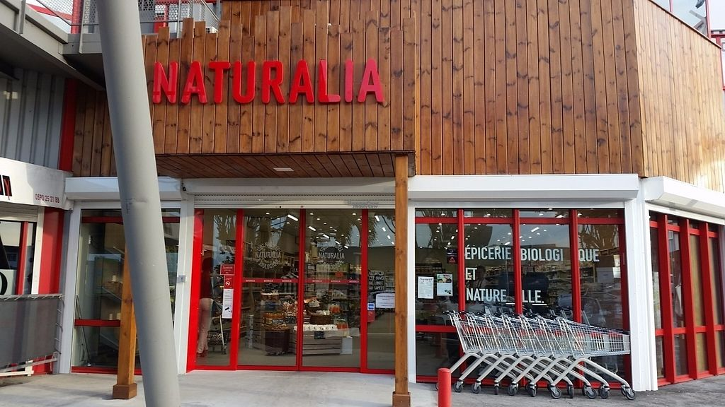 """Photo of Naturalia  by <a href=""""/members/profile/Bisousnours97150"""">Bisousnours97150</a> <br/>Another famous french organic health food store where you can everything you need including vegan and gluten free products. As well as La vie claire organic health food store, there're a bulk section, some fresh fruits and vegtables... and as well as it's expensive <br/> August 30, 2016  - <a href='/contact/abuse/image/79368/172316'>Report</a>"""