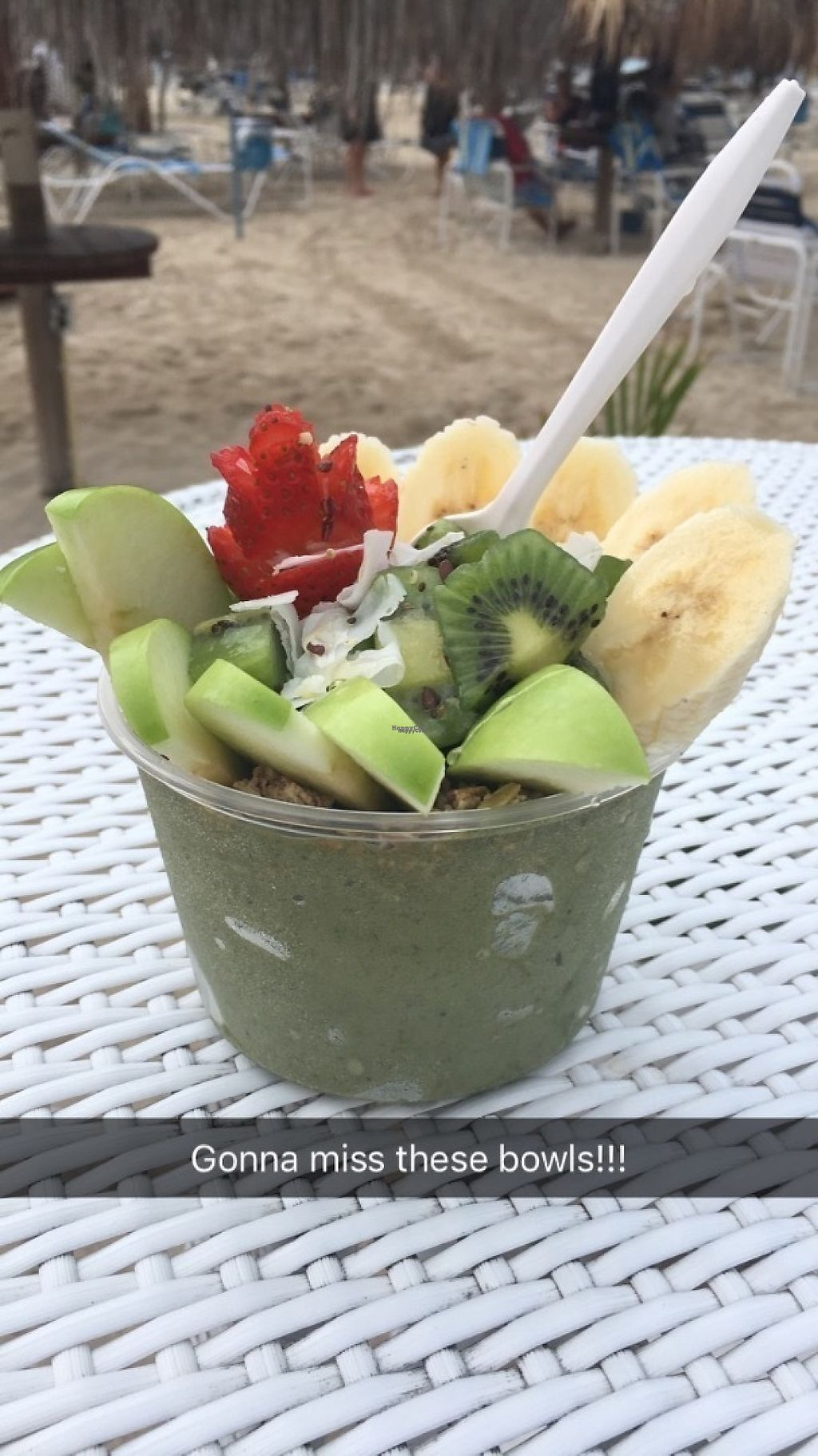 "Photo of Eduardo's Beach Shack  by <a href=""/members/profile/Farmaroundthebend"">Farmaroundthebend</a> <br/>Matcha bowl <br/> December 13, 2016  - <a href='/contact/abuse/image/79459/200685'>Report</a>"