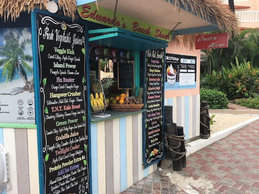 "Photo of Eduardo's Beach Shack  by <a href=""/members/profile/Farmaroundthebend"">Farmaroundthebend</a> <br/>Smoothies and juices  <br/> December 13, 2016  - <a href='/contact/abuse/image/79459/200688'>Report</a>"
