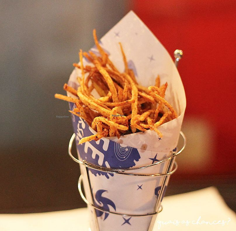 """Photo of Universal Diner  by <a href=""""/members/profile/bfeitosa"""">bfeitosa</a> <br/>vegan fries <br/> September 15, 2016  - <a href='/contact/abuse/image/79598/298040'>Report</a>"""