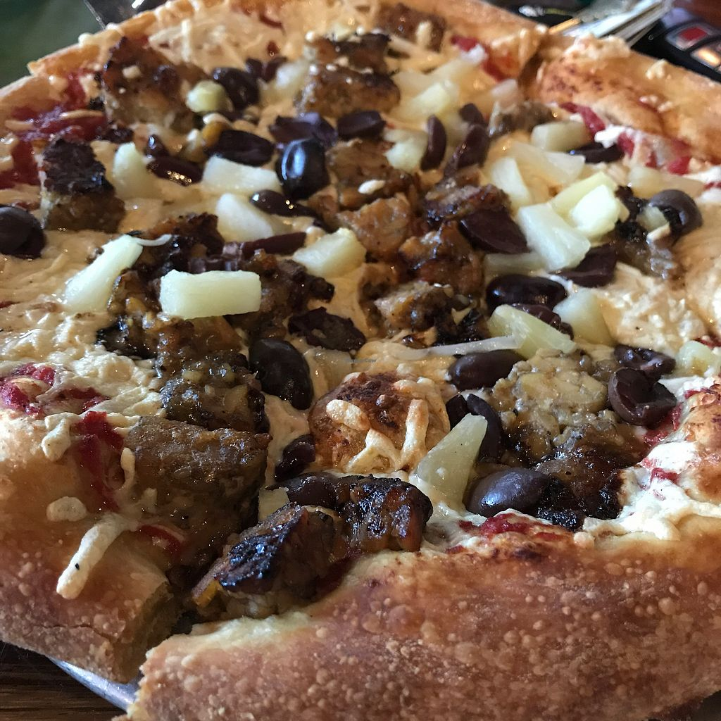 "Photo of Mellow Mushroom  by <a href=""/members/profile/iflys5"">iflys5</a> <br/>Tempeh pizza with Daiya cheese <br/> August 20, 2017  - <a href='/contact/abuse/image/79689/294568'>Report</a>"