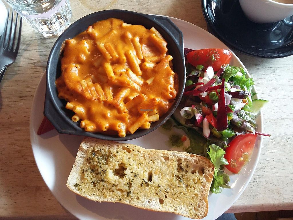 """Photo of Kat's Kitchen  by <a href=""""/members/profile/DeborahWicks"""">DeborahWicks</a> <br/>Mac n cheeze  <br/> July 31, 2017  - <a href='/contact/abuse/image/79734/286883'>Report</a>"""