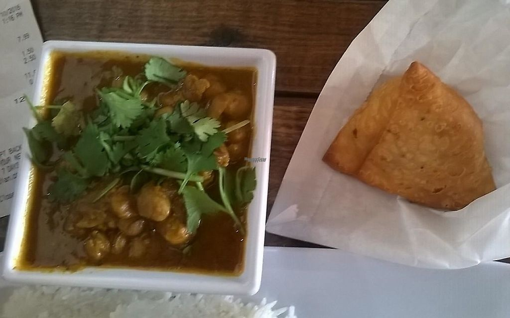 """Photo of CLOSED: Taja Indian  by <a href=""""/members/profile/veggie_htx"""">veggie_htx</a> <br/>Side channa masala and samosa (all vegan) <br/> September 11, 2016  - <a href='/contact/abuse/image/79944/229137'>Report</a>"""