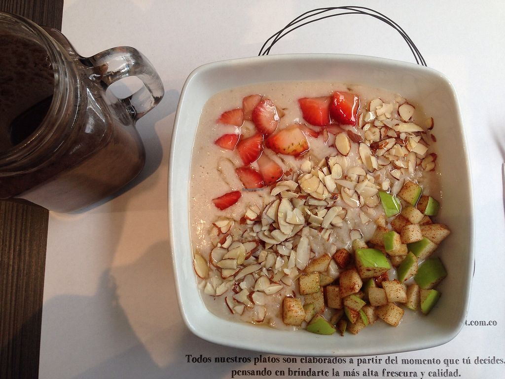 "Photo of Vermet  by <a href=""/members/profile/Sezbakes"">Sezbakes</a> <br/>porridge with almond milk and an acai smoothie  <br/> June 25, 2017  - <a href='/contact/abuse/image/80066/273176'>Report</a>"