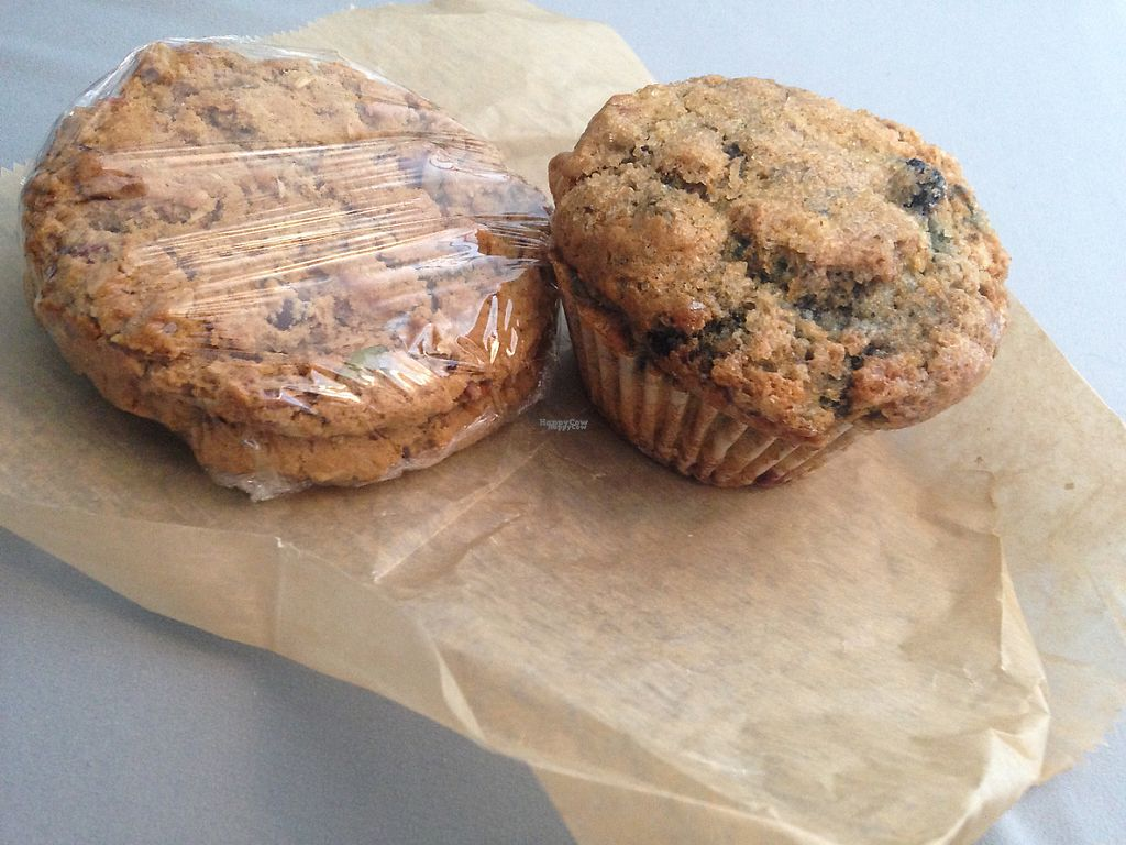 "Photo of The Angry Baker - King Ave  by <a href=""/members/profile/junejunejune"">junejunejune</a> <br/>Vegan blueberry muffin. They also have a basket where they sell day-old items for a dollar, so I got two vegan trail mix cookies for a buck! <br/> April 20, 2017  - <a href='/contact/abuse/image/80177/250222'>Report</a>"