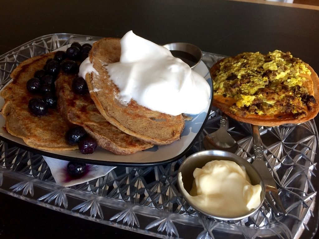 "Photo of The Breakfast Club  by <a href=""/members/profile/klkm"">klkm</a> <br/>Pancakes with blueberries and aquafaba whipped cream; breakfast  pizza <br/> April 27, 2017  - <a href='/contact/abuse/image/80253/253125'>Report</a>"