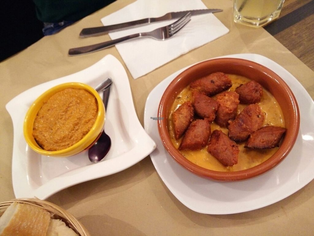 "Photo of El Perro Gamberro  by <a href=""/members/profile/Edwin"">Edwin</a> <br/>chorizo y sobrasada de almendras (almond pate) <br/> December 9, 2016  - <a href='/contact/abuse/image/80267/198767'>Report</a>"