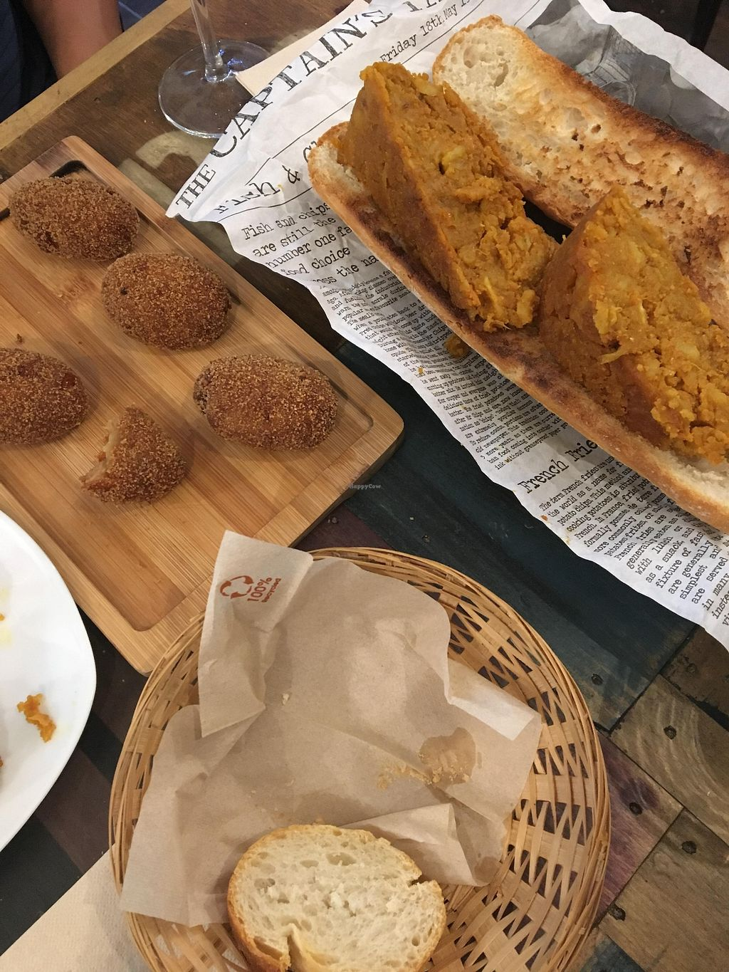 "Photo of El Perro Gamberro  by <a href=""/members/profile/sian_ractliffe"">sian_ractliffe</a> <br/>croquetas/croquettes (6 units for 8 euros), MASSIVE bocadillo del tortilla/tortilla sandwich (6 euros) <br/> March 17, 2018  - <a href='/contact/abuse/image/80267/372055'>Report</a>"