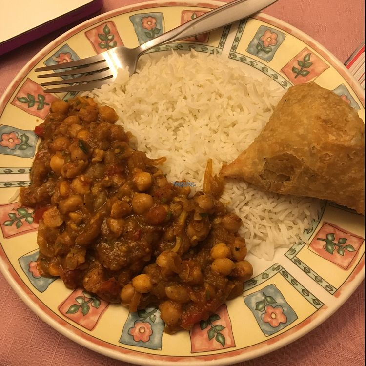 "Photo of Manjal Indian Fusion  by <a href=""/members/profile/LexaCastro"">LexaCastro</a> <br/>Channa masala and vegetable samosas! So delicious! <br/> September 23, 2016  - <a href='/contact/abuse/image/80300/177502'>Report</a>"