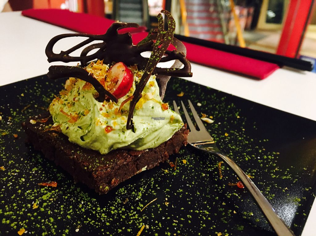 "Photo of Tokumaru   by <a href=""/members/profile/AnastasijaMinits"">AnastasijaMinits</a> <br/>vegan dessert in December 2016: brownies with mint mousse <br/> March 24, 2017  - <a href='/contact/abuse/image/80315/240228'>Report</a>"