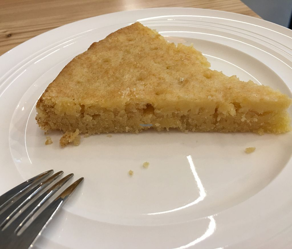"""Photo of Lecker & Pur  by <a href=""""/members/profile/marky_mark"""">marky_mark</a> <br/>lemon cake <br/> October 1, 2016  - <a href='/contact/abuse/image/80365/179010'>Report</a>"""