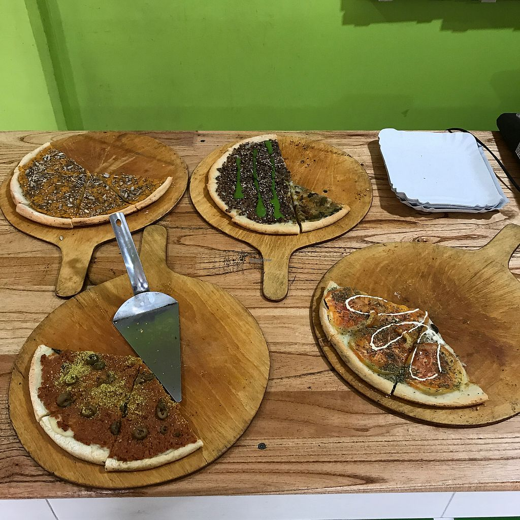 """Photo of Pizza Vegana - Recoleta  by <a href=""""/members/profile/earthville"""">earthville</a> <br/>Lunch by the slice <br/> September 4, 2017  - <a href='/contact/abuse/image/80421/300885'>Report</a>"""