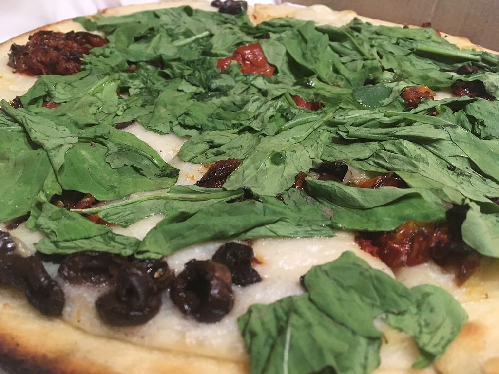 """Photo of Pizza Vegana - Recoleta  by <a href=""""/members/profile/milos99"""">milos99</a> <br/>Liza rócola with spinach, olives and sun dried tomatoes <br/> November 6, 2017  - <a href='/contact/abuse/image/80421/322374'>Report</a>"""