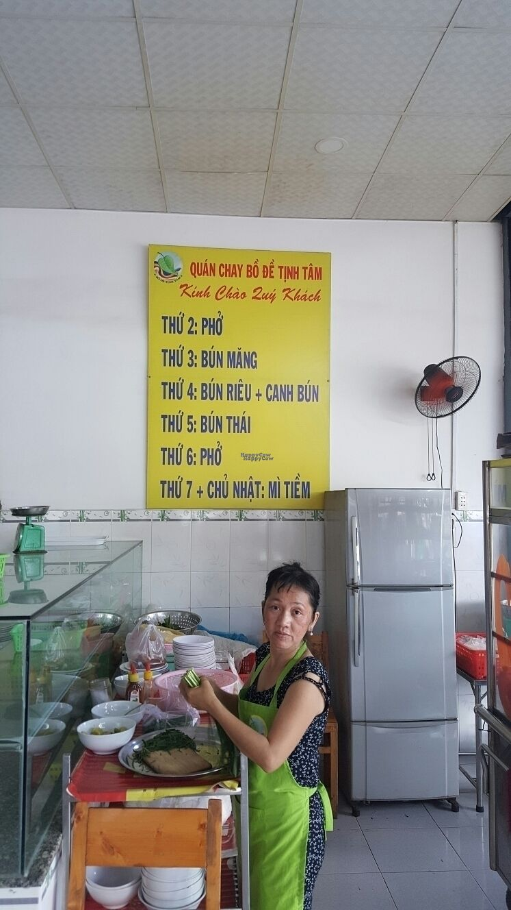 "Photo of Bo De Tinh Tam  by <a href=""/members/profile/Refinnej"">Refinnej</a> <br/>Everyday noodle specials <br/> September 21, 2016  - <a href='/contact/abuse/image/80434/177174'>Report</a>"