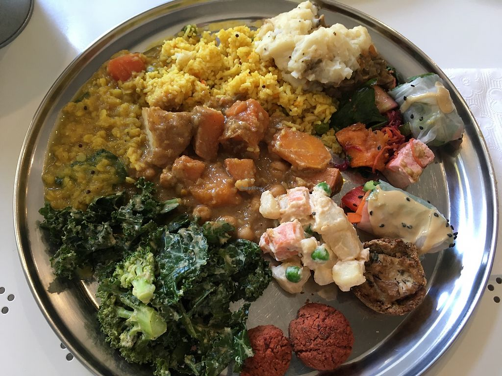 """Photo of OM Vegan Kitchen  by <a href=""""/members/profile/meianma"""">meianma</a> <br/>Buffet selection <br/> March 1, 2018  - <a href='/contact/abuse/image/80628/365475'>Report</a>"""