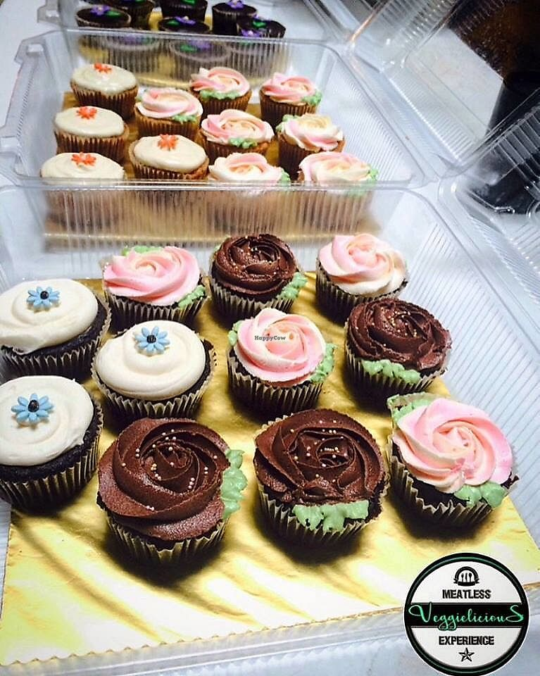 "Photo of Veggielicious Cafe  by <a href=""/members/profile/ChitzzChitraa"">ChitzzChitraa</a> <br/>Vegan and Vegetarian Cupcakes <br/> July 3, 2017  - <a href='/contact/abuse/image/80636/276290'>Report</a>"