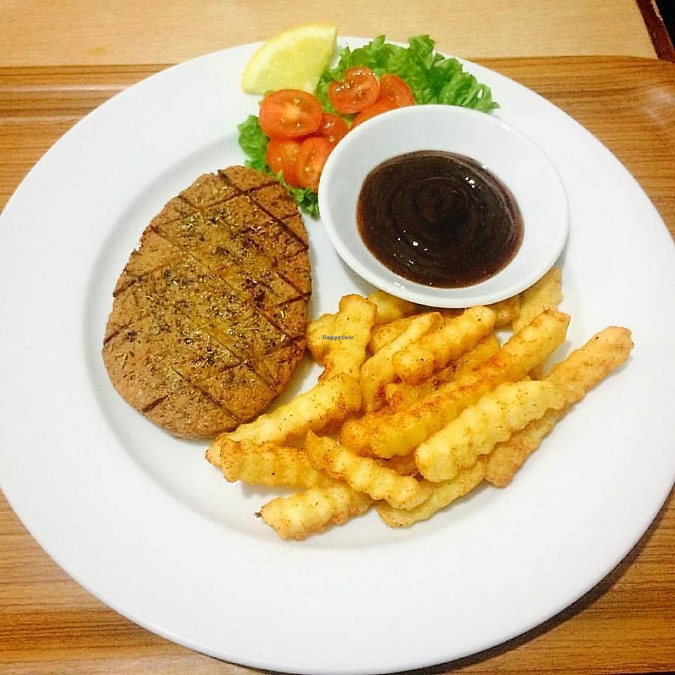 "Photo of Veggielicious Cafe  by <a href=""/members/profile/ChitzzChitraa"">ChitzzChitraa</a> <br/>Mushroom Based Lamb Chop <br/> July 3, 2017  - <a href='/contact/abuse/image/80636/276295'>Report</a>"