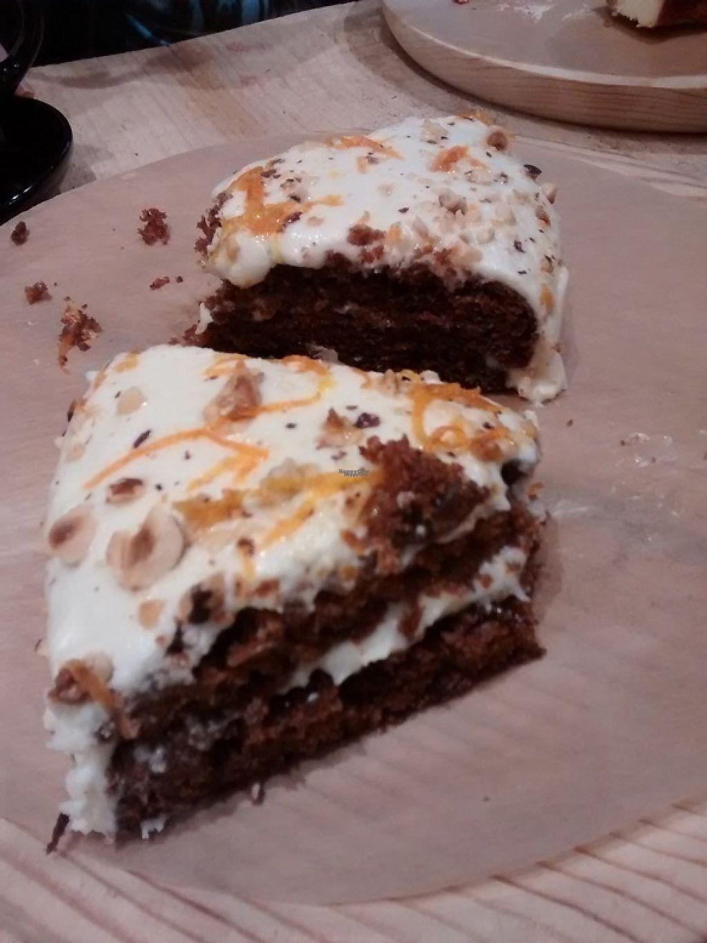 "Photo of La Huerta de Almeria - Calle de San Millan  by <a href=""/members/profile/LeFunks"">LeFunks</a> <br/>Carrot cake <br/> January 12, 2017  - <a href='/contact/abuse/image/80682/211368'>Report</a>"