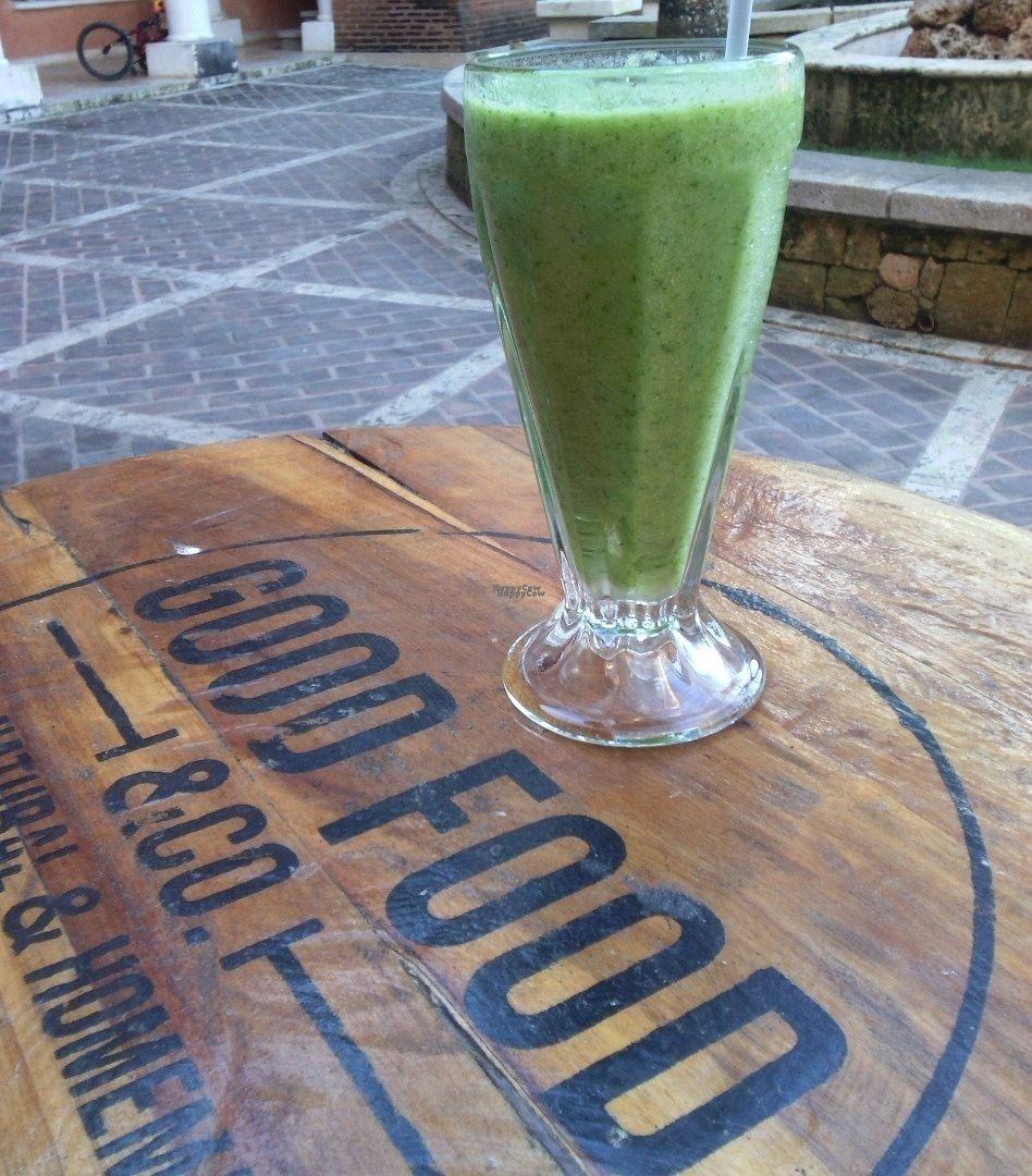 """Photo of Good Food & Co  by <a href=""""/members/profile/AnettKovacs"""">AnettKovacs</a> <br/>Green smoothie <br/> October 12, 2016  - <a href='/contact/abuse/image/80781/181654'>Report</a>"""