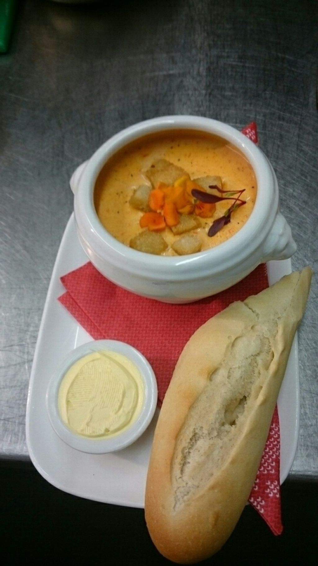 """Photo of The Farmer's Union Pub   by <a href=""""/members/profile/ANDREWS54"""">ANDREWS54</a> <br/>Xmas Menu roasted red pepper and ginger soup..  <br/> November 3, 2016  - <a href='/contact/abuse/image/80795/186395'>Report</a>"""