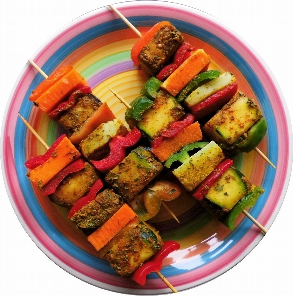 "Photo of AllerGast  by <a href=""/members/profile/AllerGast"">AllerGast</a> <br/>Colourfull vegan BBQ sticks full of fresh vegetables & herbs <br/> October 5, 2016  - <a href='/contact/abuse/image/80839/179822'>Report</a>"