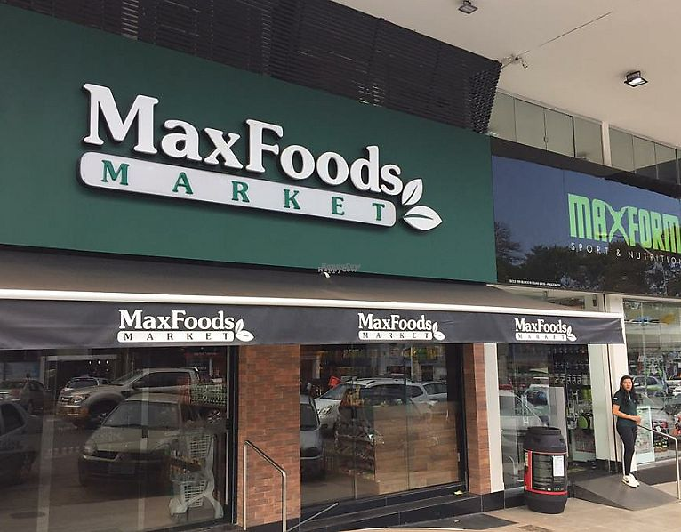 "Photo of MaxFoods Market  by <a href=""/members/profile/bfeitosa"">bfeitosa</a> <br/>Store front <br/> October 18, 2016  - <a href='/contact/abuse/image/80871/294978'>Report</a>"