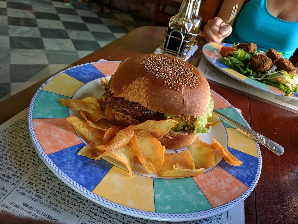 "Photo of La Redaccion  by <a href=""/members/profile/zenmaestro"">zenmaestro</a> <br/>veggie burger <br/> December 22, 2017  - <a href='/contact/abuse/image/80877/338141'>Report</a>"