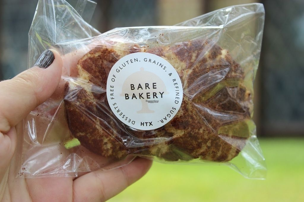 "Photo of Bare Bakery  by <a href=""/members/profile/veggie_htx"">veggie_htx</a> <br/>Vegan snickerdoodles (3 pack) <br/> October 4, 2016  - <a href='/contact/abuse/image/80919/179598'>Report</a>"
